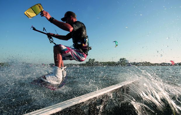 kitesurf-kurs-pruchten-action