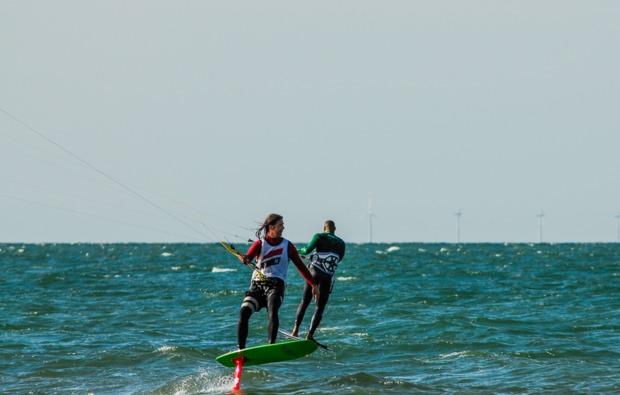 hydrofoil-kitesurfkurs-zingst-adrenalin