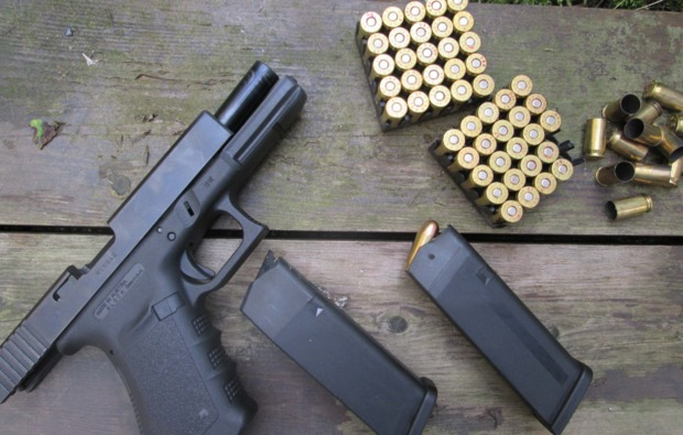 schiesstraining-in-erfurt-handfeuerwaffe