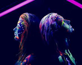 Bodypainting - Neon Fotoshooting - Berlin inkl. Make-Up, 3 Bilder als Pint & digital, ca. 2 Stunden