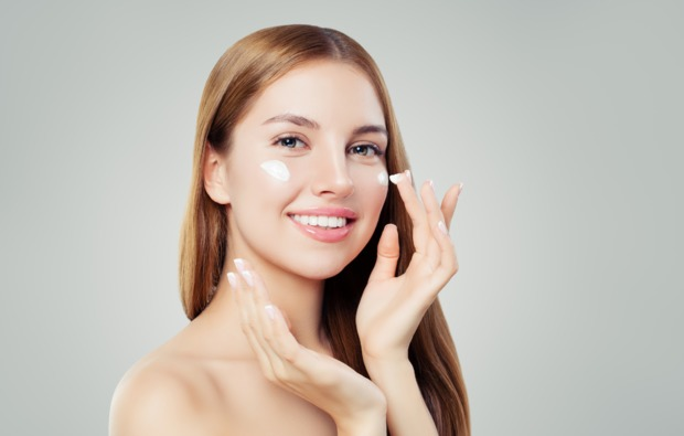 pflege-und-make-up-beratung-fuer-frauen-webinar-erlebnis-bg1