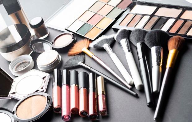 pflege-und-make-up-beratung-fuer-frauen-webinar-erlebnis-bg2