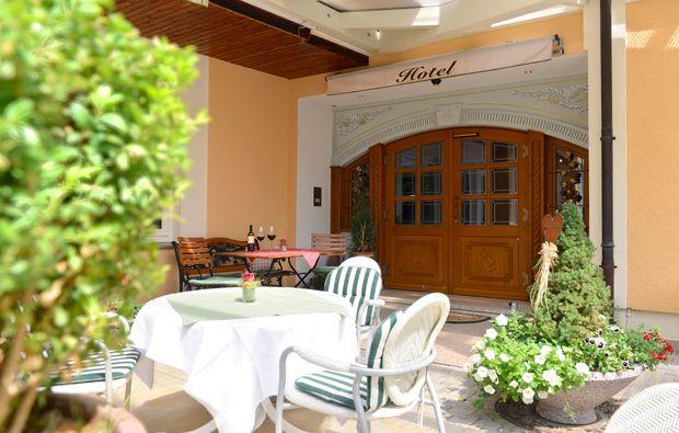 kurzurlaub-altenkunstadt-terrasse1480070518