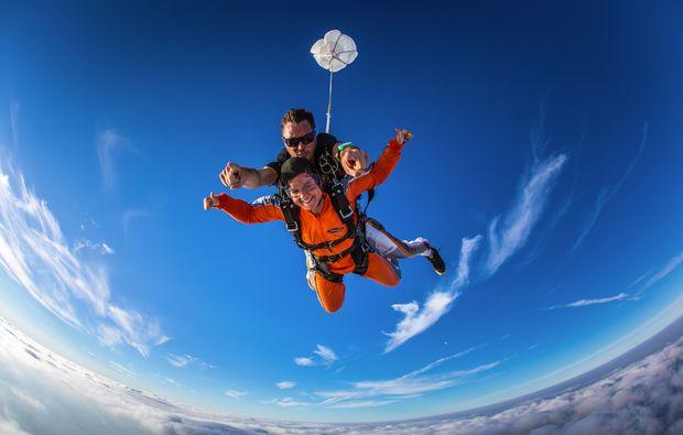 fallschirmsprung-kurs-gransee-adrenalin