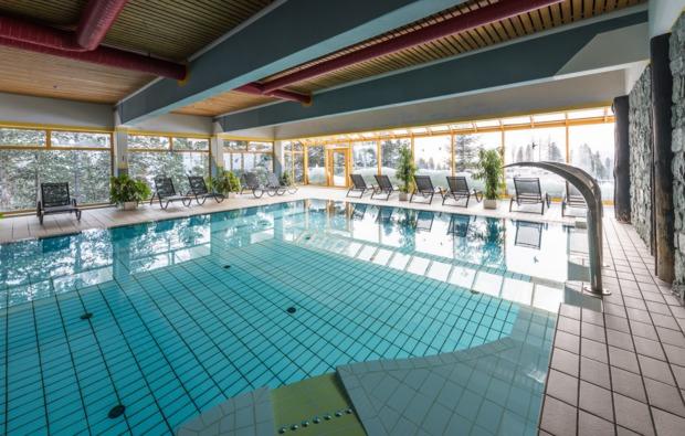 wellnesshotel-reichenau-schwimmbad