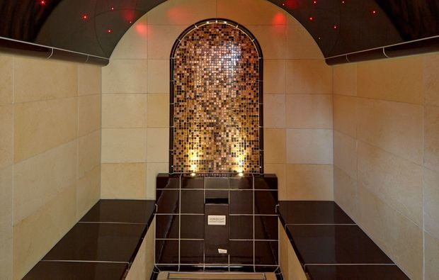 romantikwochenende-lauda-koenigshofen-dampfbad