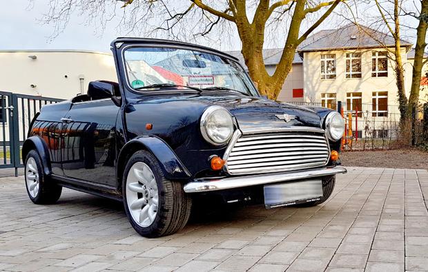 mini-cabrio-oldtimer