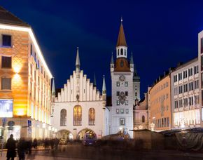 München_Candle-Light-Dinner+Nachtwächter Fackel Tour Candle-Light-Dinner & Nachtwächter-Fackel-Tour
