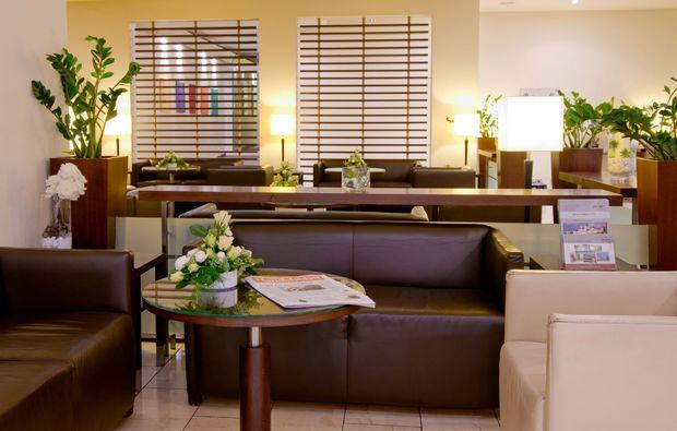 romantikwochenende-wiesbaden-lounge