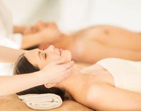 Wellnesstag für Zwei Entspannungsbad, Aroma-Ganzkörpermassage, Gesichtsmassage