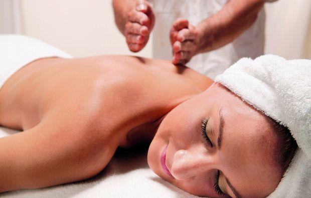 ganzkoerper-wellness-massage-badherrenalb