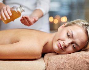 Wellnesstag für Zwei - Bünde Fußbad, Kopfmassage, Aromaölmassage
