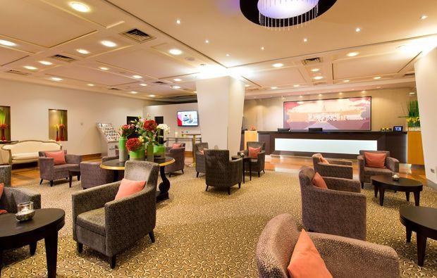 romantikwochenende-karlsruhe-lobby
