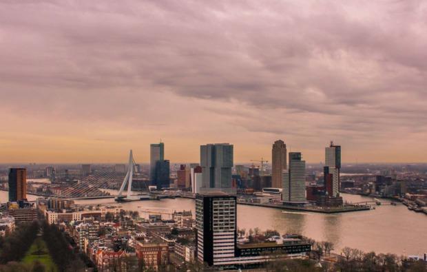 erlebnisreise-rotterdamm-skyline