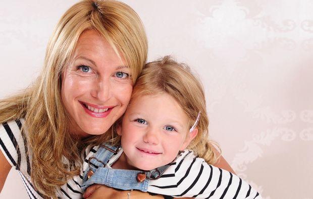 familien-fotoshooting-neunkirchen-hug