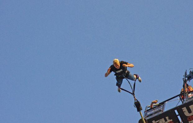 berlin-bungee-jumping-bungee-jump