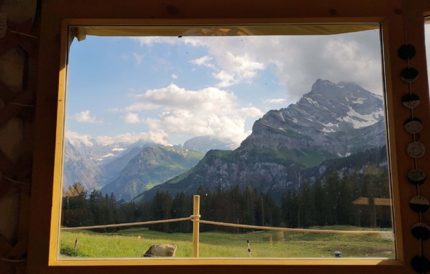 jurte-uebernachtung-braunwald-berge