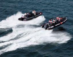 speedboot-fahren-wasser