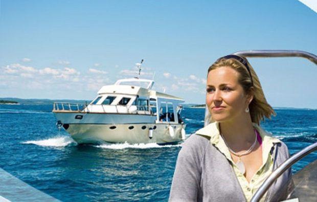 sportbootfuehrerschein-motorboot-fahren-berlin1481813299