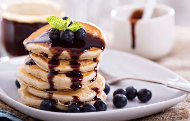 traumtag-fuer-zwei-pancake-fruehstueck