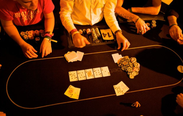 poker-lernen-aufbaukurs-koeln-blatt