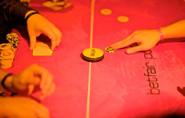 poker-lernen-aufbaukurs-koeln-spiel