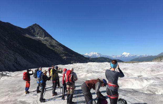 mammut-wandertouren-jungfraujoch-gletschertrekking