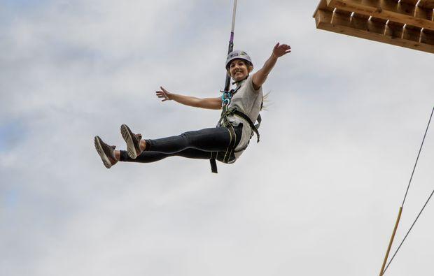 hochseilgarten-sky-jump-flying-fox-muenchen-adrenalinkick