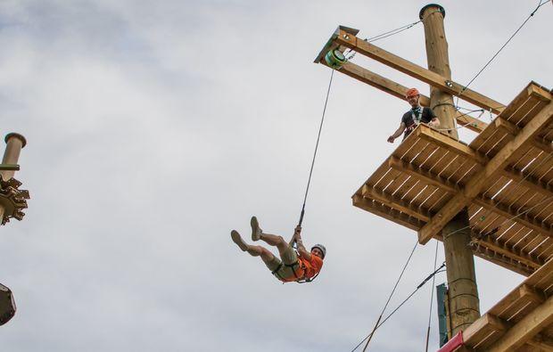 hochseilgarten-sky-jump-flying-fox-muenchen-spannung