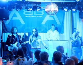 ABBA–Dinnershow - 3-Gänge-Menüffet - Eventhouse Weber - Brühl Eventhouse Weber - 3-Gänge-Menüffet, inkl. Begrüßungssekt