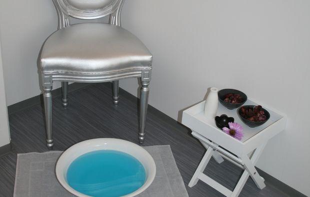 kraeuterstempelmassage-muenchen-wellness