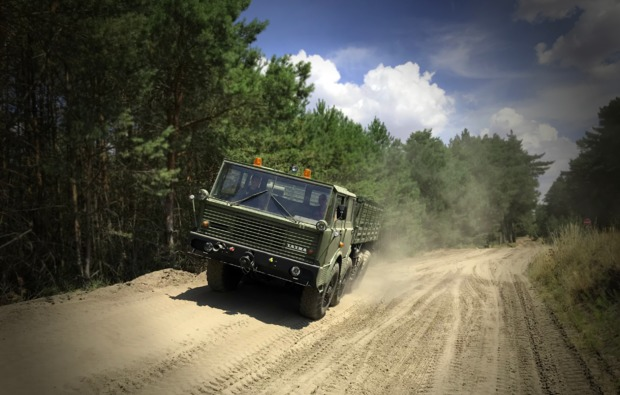truck-fahren-mahlwinkel-tatra