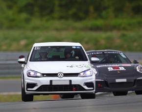 VW Golf R 4 Motion Renntaxi - Nürburg VW Golf R 4 Motion – 1 Runde - Nürburgring Nordschleife