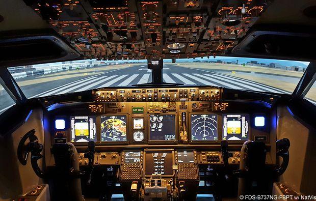 traumtag-fuer-zwei-berlin-innenraum-cockpit-boeingbg6