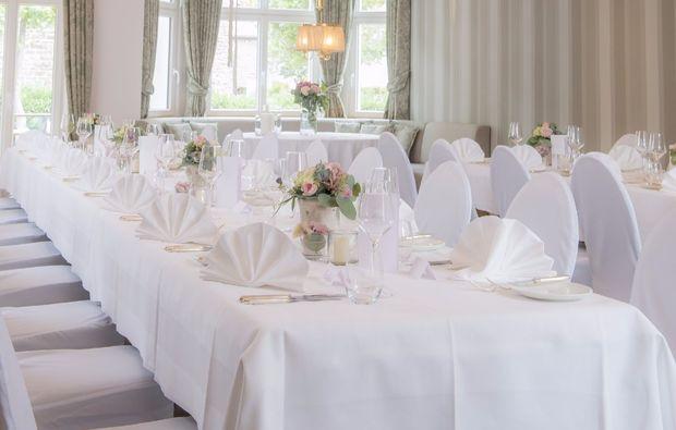 romantikwochenende-schmallenberg-festlich