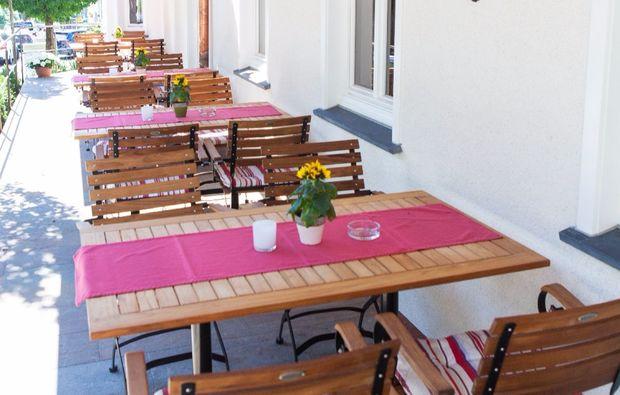romantikwochenende-schmallenberg-terrasse