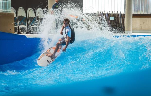 indoor-surfen-muenchen-taufkirchen-koerperbeherrschung