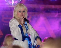 ABBA–Dinnershow - 3-Gänge-Menüffet - Radisson Blu Hotel Cottbus - Cottbus Radisson Blu Hotel Cottbus - 3-Gänge-Menüffet,  inkl. Begrüßungssekt