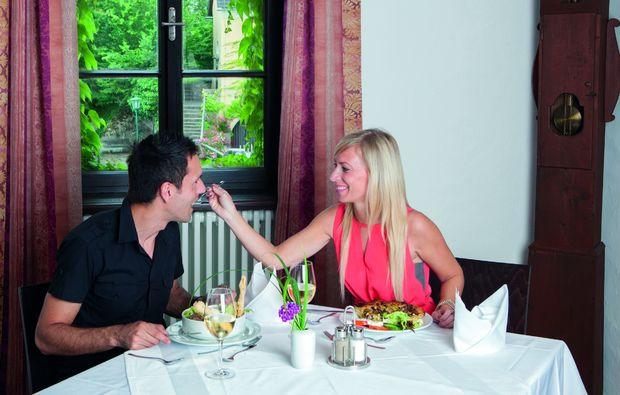 kurzurlaub-bad-kreuzen-romantik