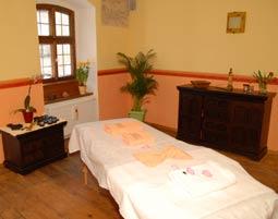 Ayurveda-Massage Garshan Seidenhandschuhmassage