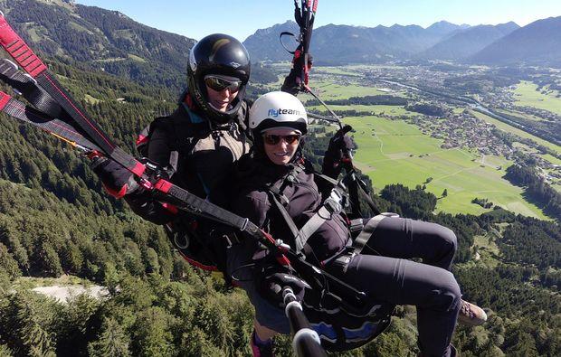 gleitschirm-tandemflug-reutte-gleitflug