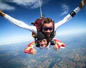 Fallschirm-Tandemsprung   Ganderkesee Sprung aus ca. 3.000-4.000 Metern, ca. 30-60 Sekunden freier Fall