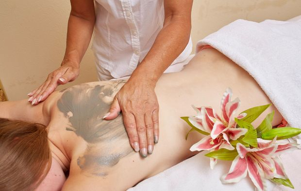 wellness-wochenende-deluxe-neunkirchen-massage