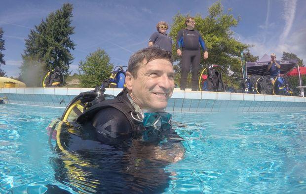 tauchschnupperkurs-wuerzburg-selfie-with-diving-goggles