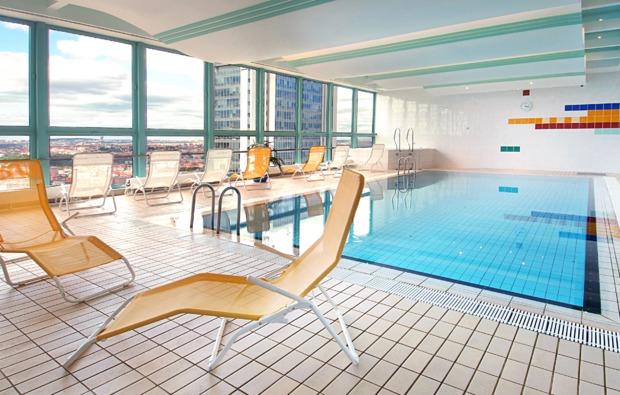 kurzurlaub-prag-pool