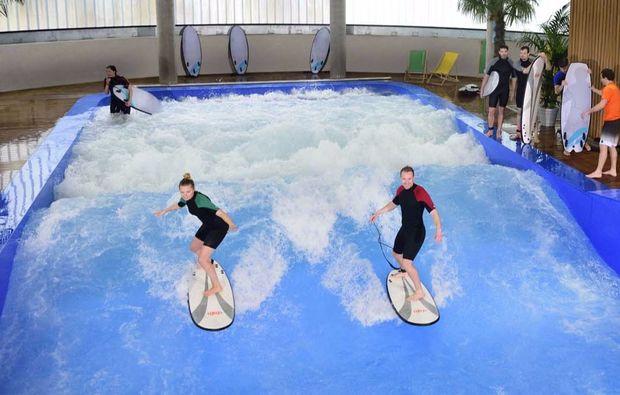 indoor-surfen-muenchen-taufkirchen-sport