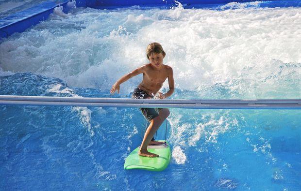 taufkirchen-muenchen-indoor-surfen