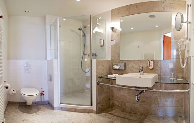 kuschelwochenende-blankenfelde-mahlow-badezimmer