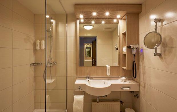 kurztrip-stade-dusche