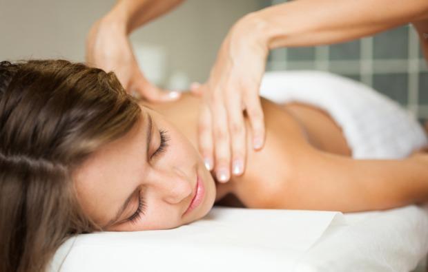 gesichtsbehandlung-leverkusen-rueckenmassage